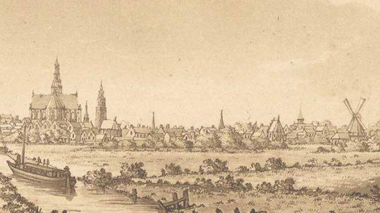 Gezicht op Haarlem vanaf de weg naar Amsterdam